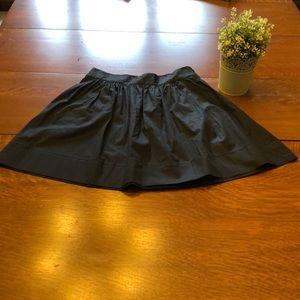 Banana Republic black skirt with pockets!